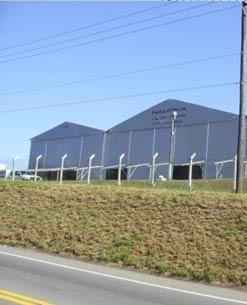 A Indústria de Telas Ramacrisna dispõe de telas, alambrados e cercas, para complexos públicos, aeroportos, rodoviárias, indústrias, galpões, depósitos, já fabricados de acordo com a nova lei da gripe aviária.